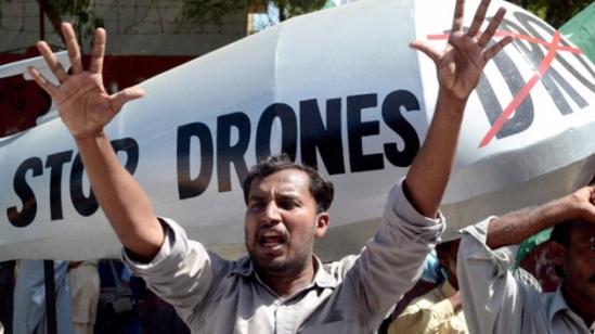 """""""Detengan los drones""""/ Fuente: RT news"""