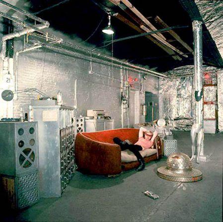 La f brica de andy warhol el cafet n de las 5 - Factory del sofa sevilla ...