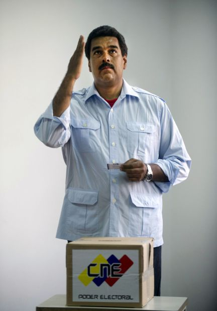 Maduro votando/ Fuente: El País